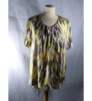Windsmoor-top-size L-yellow and grey Windsmoor - Size: L - Grey