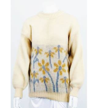 Vintage Icelandic XL Cream Floral Pattern Wool Jumper