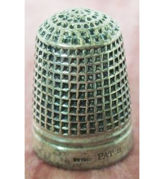 Vintage Silver Plated Thimble With Grid Pattern