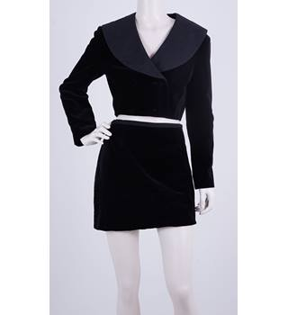Fashion Fighting Poverty - Vintage Marion Donaldson Late 1970's Black Velvet Suit Jacket & Skirt Size 12