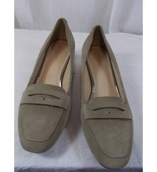 NWT Footglove size 37.5 court shoes