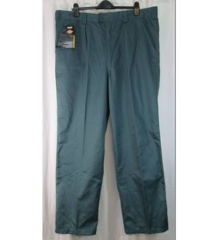 "Dickies Workwear - Size: Waist 44"" - Green - Reaper Trousers"