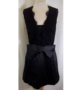 BNWT French Connection - Size: 8 - Black - Knee length dress