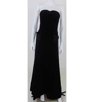 Vintage 1980's Laura Ashley Size: 10 Black Velvet Evening Dress