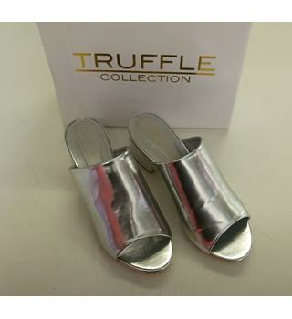NEW TRUFFLE COLLECTION LADIES SILVER SHOES SIZE 5 UK TRUFFLE - Size: 5 - Silver - Heeled shoes