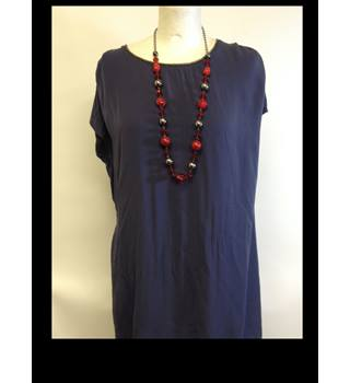 Red & Dark Metal Long Necklace Unbranded - Size: Medium - Red - Necklace