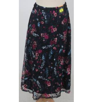 NWOT M&S - Size: 14 - Navy Blue with pink floral pattern Lace Mid Length skirt
