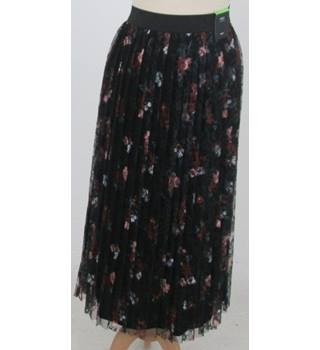 NWOT M&S - Size: 12 - Black with Red,Pink Green Floral pattern Lace Mid Length skirt