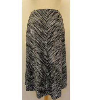 M&S Size: 10 - Grey and Black- Knee length skirt