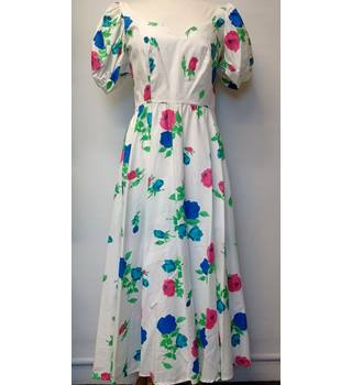 Vintage 1970 long dress Berkeley Square - Size: 12 - White - Vintage