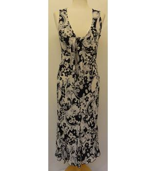 Per Una - Size: 12 - Black and Cream Sleeveless Dress