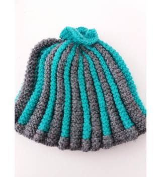 Sweet Grey & Green Knitted Teapot Cosy