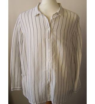 M&S Collection Marks & Spencer - Size: L - White - Long sleeved shirt
