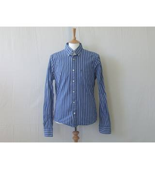 Abercrombie & Fitch size L blue & white striped shirt