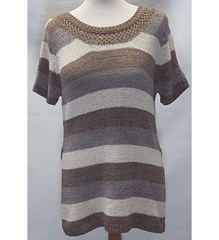 Evie Size 16 brown  jumper