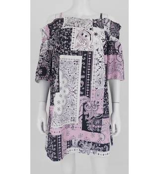 BNWT ASOS Size: 10 Black White and Pink Paisley Patterned Dress