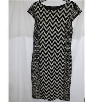 Phase Eight Size 12 Black and Cream Abstract Patterned Dress