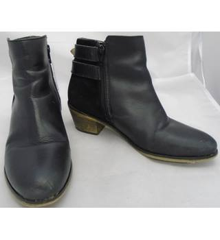 Fat Face - Size EU 37 (UK 4) - Black - Leather Ankle Boots