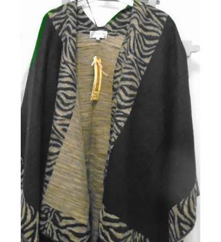 BNWT Voulez Vous One Size Black with Animal Print Cape