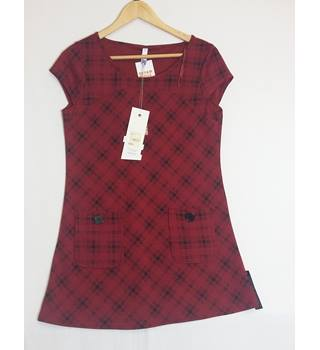 BNWT size 12 Henry Holland red and black tartan dress