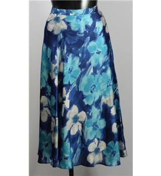 Country Casuals size 16 Blue Floral Pattern Skirt
