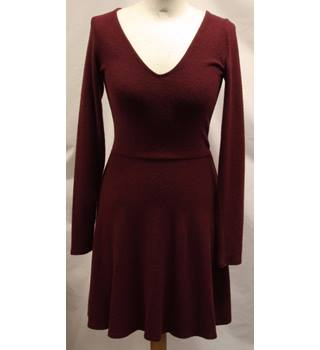 Hollister - Size: M - Red - Knee length dress