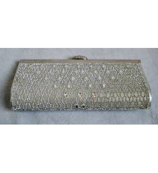 Silver diamonte encrusted slimline handbag with chain Unbranded - Size: Not specified - Metallics - Clutch bag