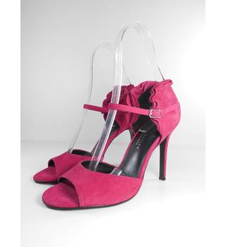 NWOT M&S Collection Size 6 Hot Pink Suede Stilettos