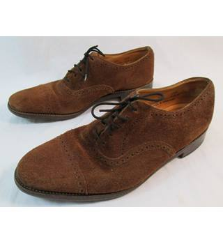 Loake shoemakers size 7 brown suede lace up brogue style shoes.