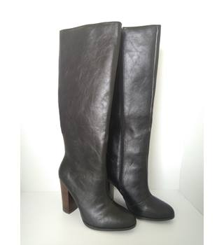 BNWT Next, size 6 black knee high boots