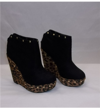 BNWT New Look, size 3 black / animal print wedges