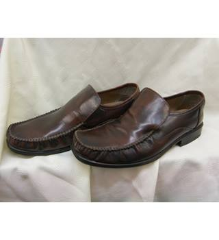 Taylor and Wright-shoes-brown-size 9 Taylor and wright - Size: 9 - Brown | GA