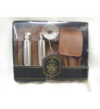 Hip flask boxed ideal gift marks and spencer - Metallics