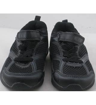 NWOT M&S Kids, size 7/24 black trainers