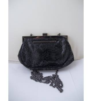 Kenneth Cole - Size: S - Black - Purse