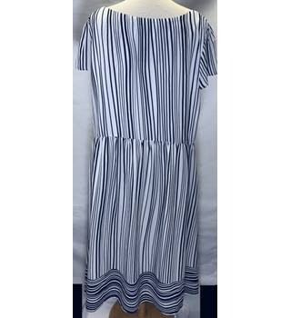 Jasper Conran Size 20 Striped navy dress