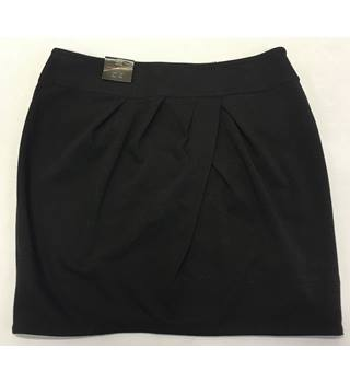 BNWT New Look Size: 14 Black Mini skirt