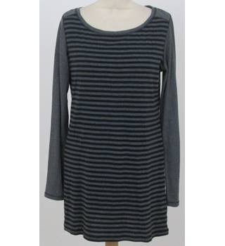 M&S Marks & Spencer - Size 12 - Grey & black striped top