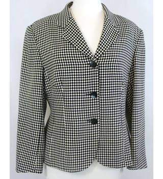 Richards - Size: 16 - Black and White Diamond Checked - Ladies' Smart Jacket