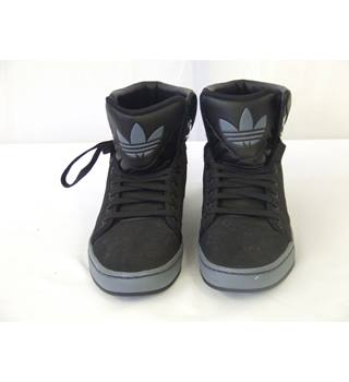 Adidas Black and Grey High Top Sneakers Trainers UK Size 8.5 Adidas - Size: 8.5 - Black - Baseball trainers / socks
