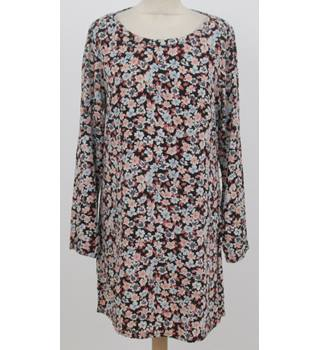 Pepe: Size M: Black and floral print tunic dress