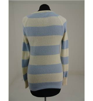 Kew size M Pale Blue and Cream Sweater