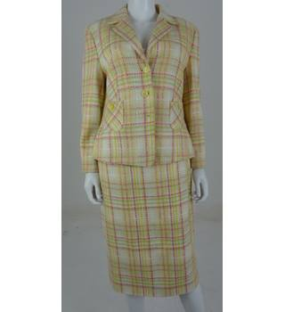 Vintage 1990's Feraud Size: 14 Multi-Coloured Checked Skirt Suit