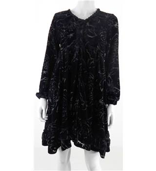 Rashamara Size M Black Velvet Floral Smock Dress