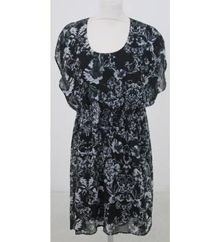 Ellos - Size: 16 - Black floral dress