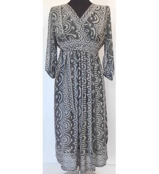 Principles Size 10 grey patterned Slip Over Dress