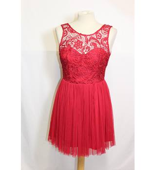 Lipsy red lace pleated dress size 10 Lipsy - Size: 10 - Red - Evening
