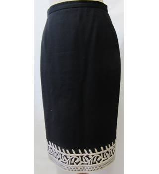 Paul Costelloe - Size: 8 - Black - Pencil skirt