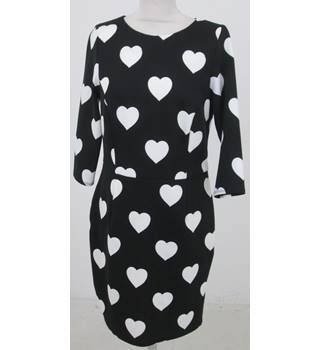 Red Herring: Size 14: Black & white heart design dress