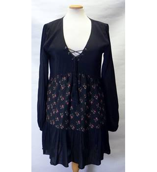 BNWT Apricot Size 10 Black Floral Dress